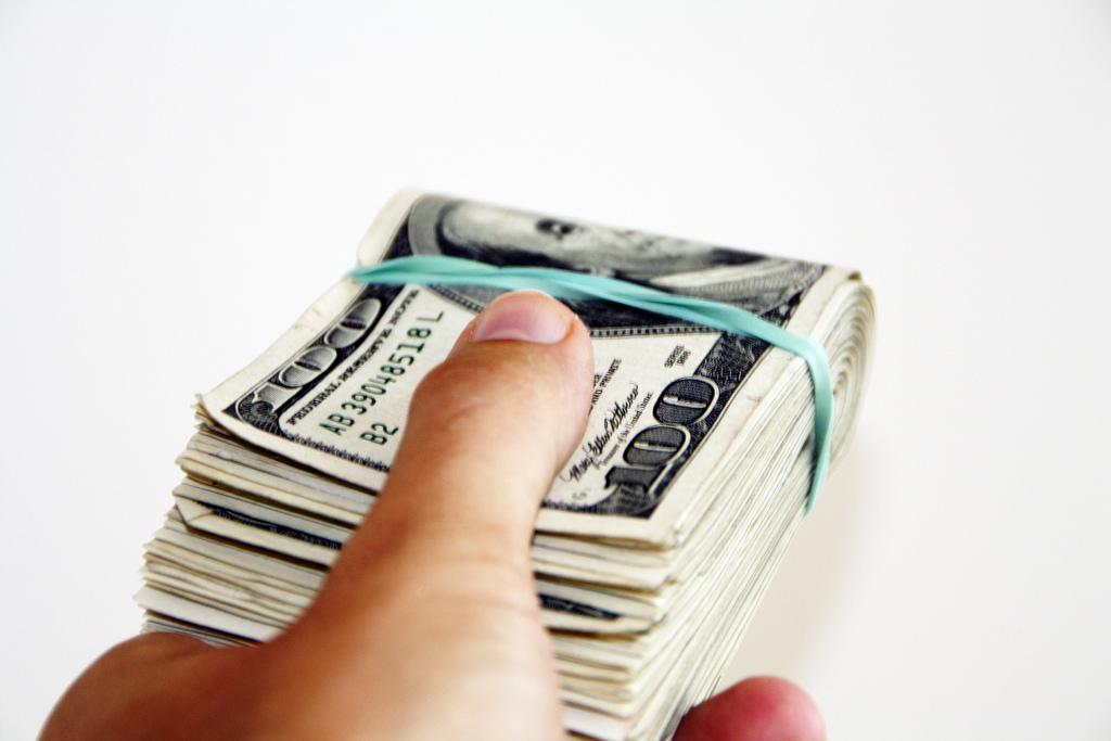 どのくらい稼げる?電話占い師のリアルな収入事情まとめ