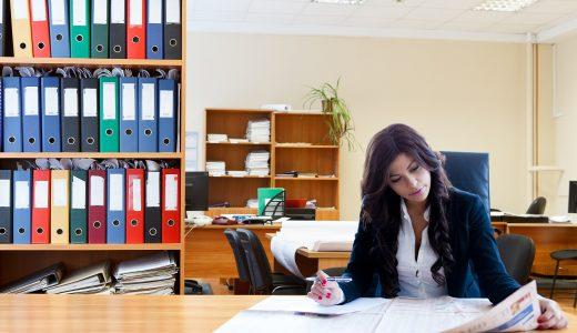 キャリアウーマン必見!電話占い師への転職がアツい!